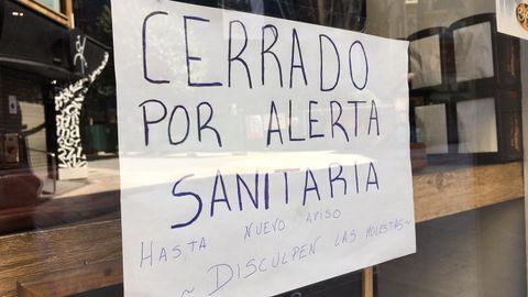 Cartel en un bar de Oviedo