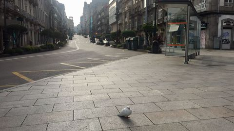 La calle Urzaiz de Vigo, casi vacía