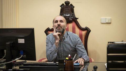 Gonzalo Pérez Jácome, alcalde de Ourense, en su despacho