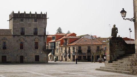 Plaza de Fefiñáns de Cambados, vacía