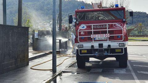 Personal municipal desinfectó varias zonas en Noia.