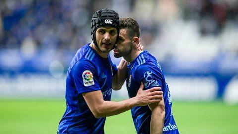 Luismi y Rodri celebran el gol al Tenerife