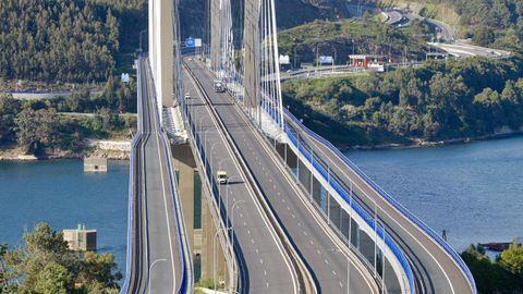 El puente de Rande casi sin tráfico por el estado de alarma