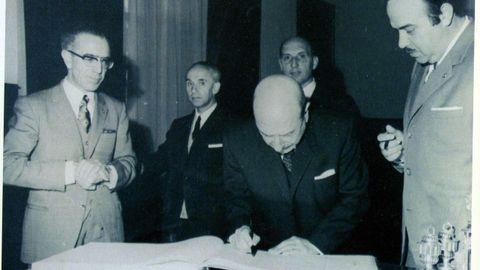 Ricardo Carvalho Calero na toma de posesión, en 1972, da Cátedra de Lingua e Literatura Galega da USC