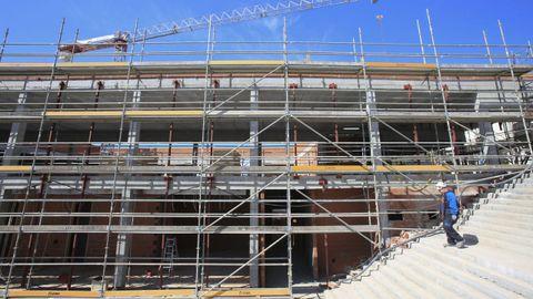 La Xunta construye el colegio del Sagrado Corazón, ahora con menos movimiento de obreros