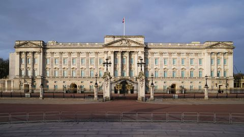 Vista general del vacío alrededor del Palacio de Buckingham en Londres