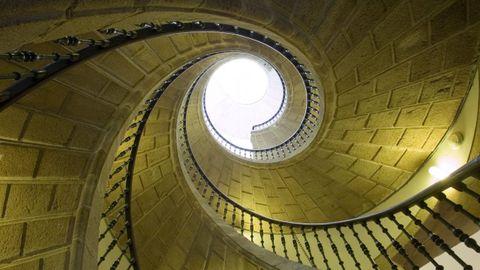 A escaleira helicoidal no Museo do Pobo