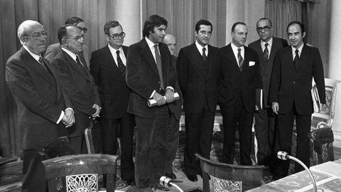 Los líderes de la Transición, en la firma de los pactos de la Moncloa