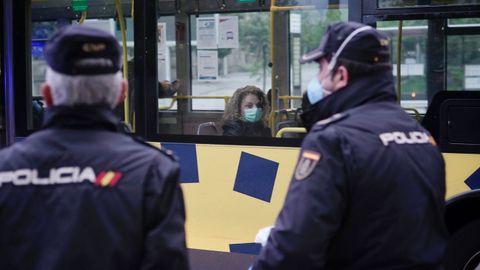 Agentes de la Policía Nacional en Ourense