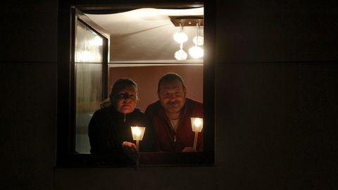 En Semana Santa, durante el sábado de resurreción, las velas iluminaron igualmente las calles