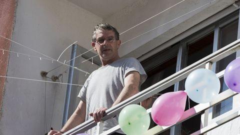 Balcón engalanado en Fisterra