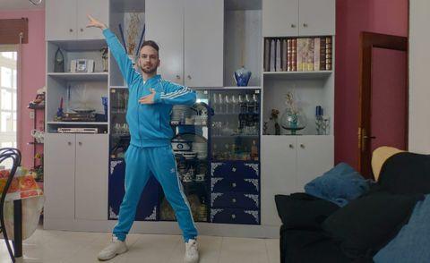 Alejandro Pallares entrenando en su casa