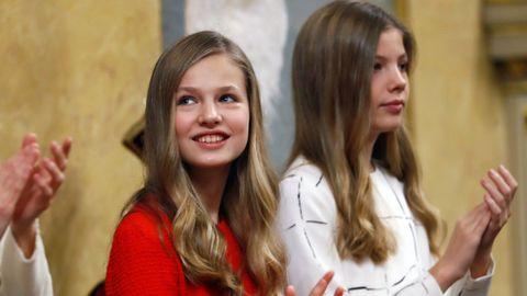 La princesa Leonor y su hermana, la infanta Sofía, el pasado 3 de febrero en la apertura de las Cortes