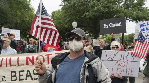 Manifestantes en contra del confinamiento en la capital de Texas, Austin