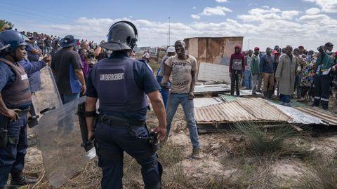 Estos días se han producido en Ciudad del Cabo algunos disturbios a causa de la apropiación de tierras