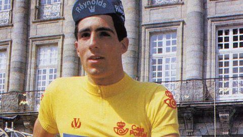 Miguel Indurain, con 20 años, líder de La Vuelta en la etapa Santiago-Lugo