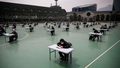 Examen para obtener la licencia de corredor de seguros celebrado en Corea del Sur en abril