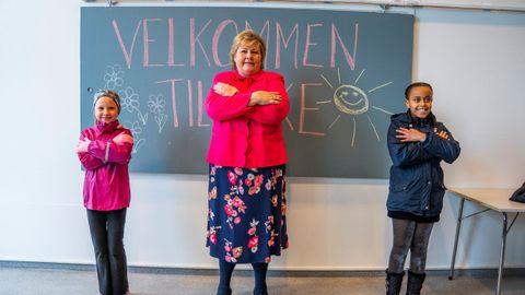 La primera ministra de Noruega participó en el regreso a las clases