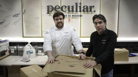 Álvaro y Rubén, del restaurante Peculiar, afirman que las medidas no son positivas ni aplicables con viabilidad en negocios como el suyo