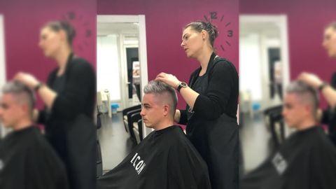 Cristina Lazar, peluquera que decide cambiar su horario para conciliar vida laboral y familiar