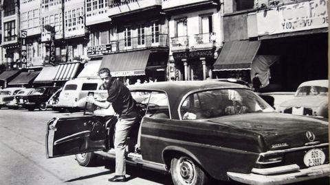 Luis Suárez visitando A Coruña en 1963.