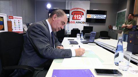 Javier Lambán, durante la octava videoconferencia de presidentes autonómicos con Pedro Sánchez