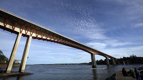 Ponte dos Santos que une Ribadeo con Asturias