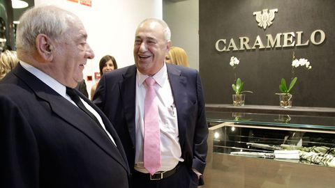 Jove, a la derecha, con el que fuera presidente de El Corte Inglés, Isidoro Álvarez