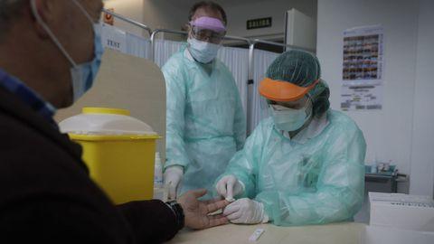 Test covid-19 para el estudio de seroprevalencia del Sergas en un centro de salud de A Coruña