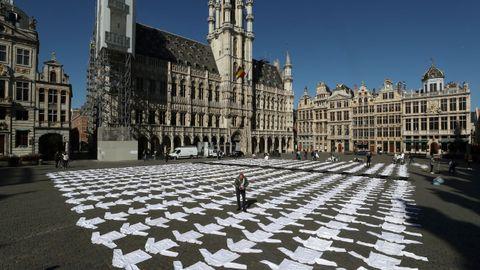 En Bruselas han protestado con chaquetillas de cocinero contra la falta de ayudas y propuestas para el sector de la hostelería