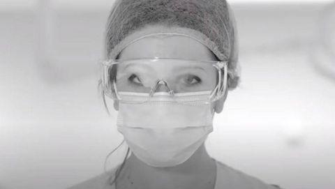 Los protagonistas del videoclip son trabajadores de un hospital madrileño