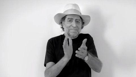 Joaquín Sabina es uno de los artistas que ha colaborado en «Los abrazos prohibidos», de Vetusta Morla, poniendo su voz y su imagen