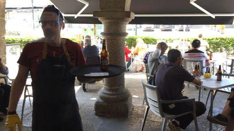Tony Santos, de la cervezoteca Atinería de Betanzos