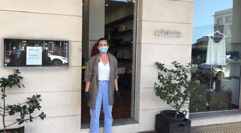 Elena Liste, en su tienda El Perfume, en O Burgo