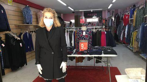 Pilar Rodríguez, de la tienda de moda Pausa, en Sada