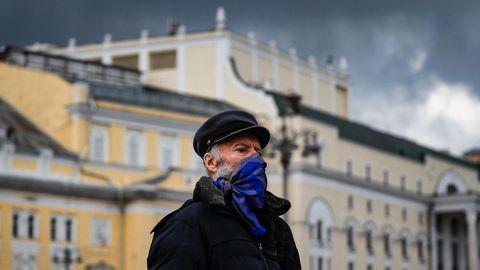 En solo diez días, Rusia ha sumado 100.000 positivos por coronavirus