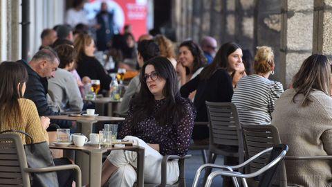 Las terrazas de la zona de La Marina, en A Coruña, estaban al completo