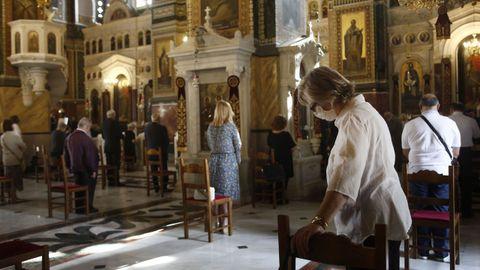 Las iglesias griegas han reabierto hoy sus puertas