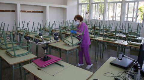 Los institutos gallegos -en la imagen el N.º 1 de Ribeira- se están preparando para la siguiente fase de la desescalada