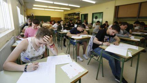 Primer dia de clases en el IES Perdouro, en Burela
