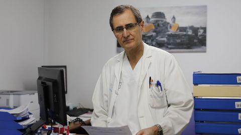 Abal é o xefe do servizo de Pneumoloxía do CHUO