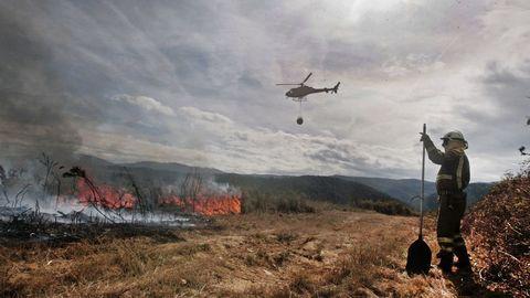 Una brigada actuando en un incendio en Pantón