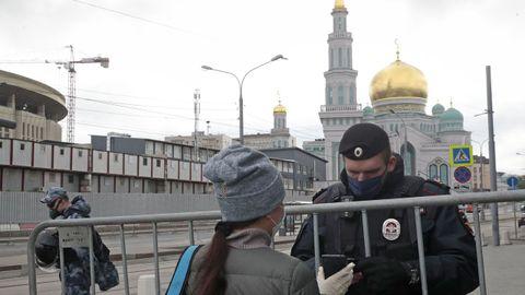 Control policial, ayer, en el centro de Moscú