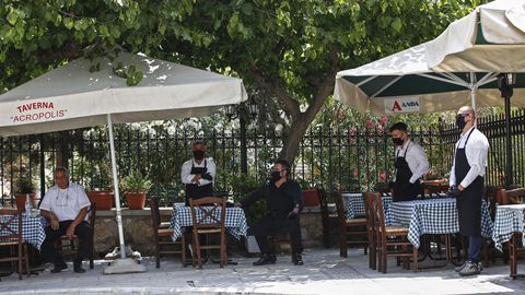 En Grecia han reabierto bares y restaurantes