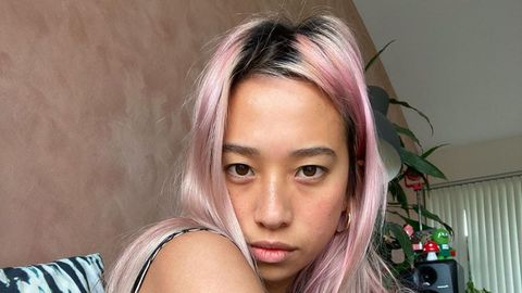 Degradado. La modelo australiana @itsrainybaby es otra de las que se pasó al tinte de moda durante el confinamiento.