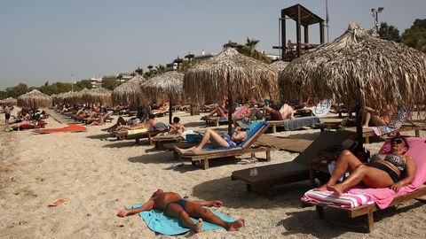 Las playas griegas reabrieron al público a mediados de mes