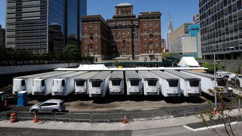 Nueva York recurrió a camiones refrigeradores para almacenar los cuerpos de las víctimas de covid-19 durante el pico de la pandemia
