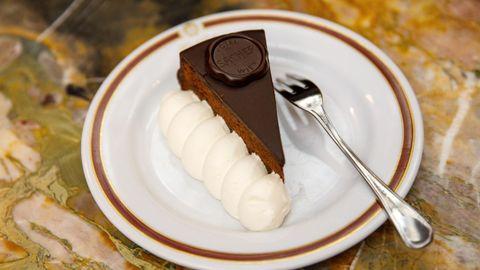 El vienés hotel Sacher, que da nombre a la famosa tarta, se reinventa para encarar los tiempos post covid