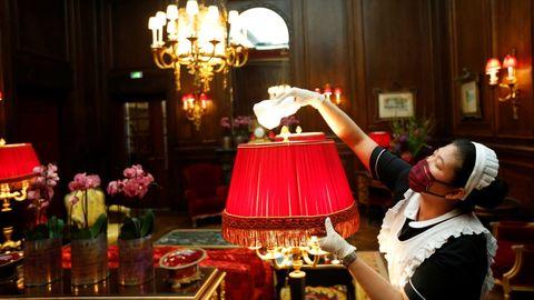 El vienés hotel Sacher, a dos minutos de la Ópera, sobresale por su opulencia