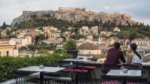 Grecia ya ha comenzado a levantar algunas restricciones al turismo